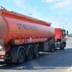 Бензовозами, спецприцепами, продуктопроводами доставляют в столицу дизельное топливо
